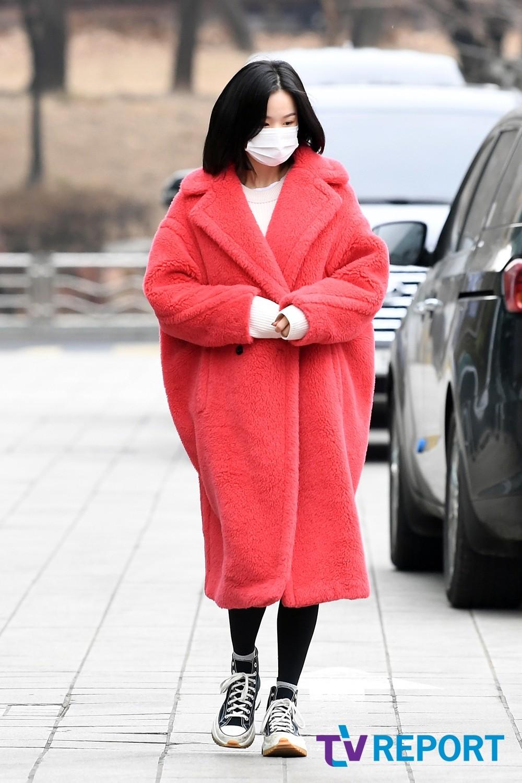 [T포토] 솔지 '강렬한 레드 패션'