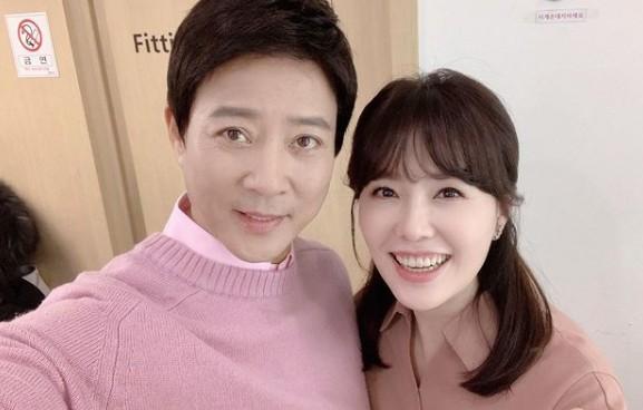 """최수종X하희라, 잉꼬부부의 투샷 """"부족한 면 배울수 있어 감사"""""""