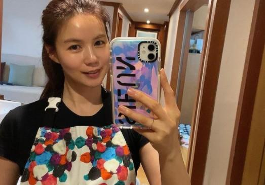 """'진태현♥' 박시은, 주부 일상도 예쁨 한도 초과 """"앞치마 홀릭"""" [리포트:컷]"""