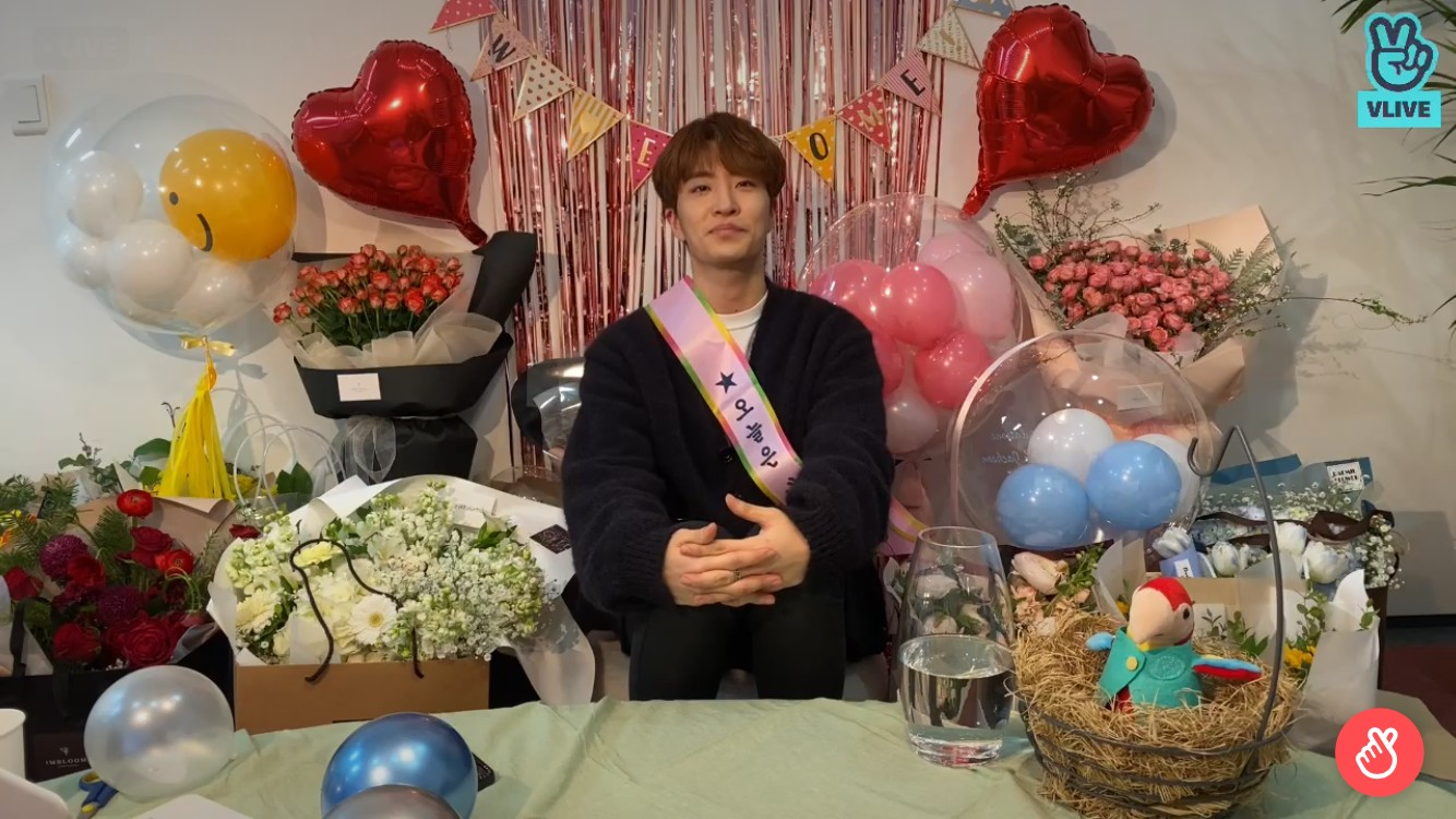 """영재, GOT7→홀로서기 """"처음에 불안했지만…요즘 너무 행복"""" [V라이브]"""