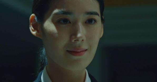 '루카' 정은채, 강렬 첫 등장…새 국면 예고