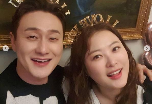 김원효X심진화, 사귄지 10주년 기념하는 사랑꾼 커플 '부러움 유발자들'