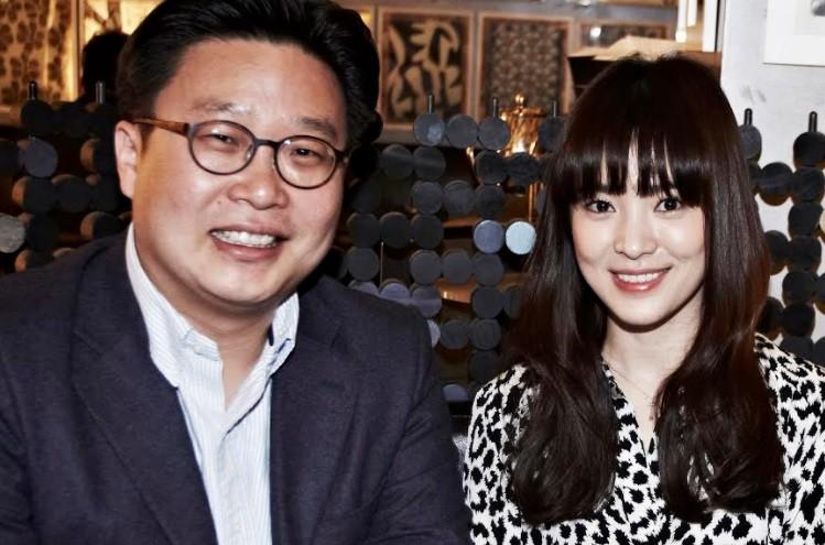 송혜교X서경덕, 中 창사임시정부청사에 안내서 1만부 기증