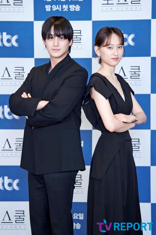[T포토] 김범-류혜영 '로스쿨로 만났어요'