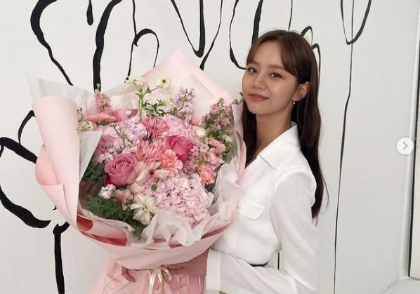 혜리, 꽃보다 예쁜 요정 미모 '단아함 물씬' [리포트:컷]