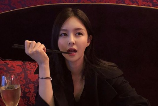 '두산家 며느리' 조수애, 남편과 아들 근황 공개 [리포트:컷]