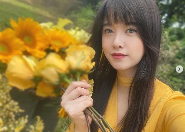 """구혜선, 꽃밭에서 뽐낸 신비로운 미모 """"영화 크랭크인"""" [리포트:컷]"""