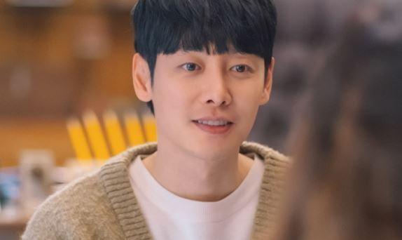 '너는 나의 봄' 김동욱, 연애세포 깨운 '로맨스 장인'