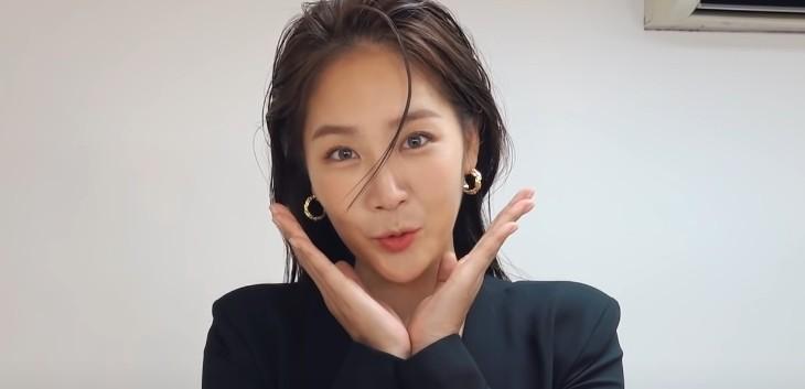 """소유, 소속사 옮기고 첫 프로필 촬영 """"응원 많이 해달라"""""""