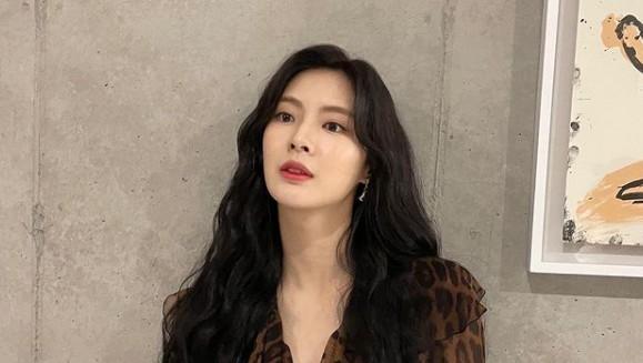 '이광수♥' 이선빈, 호피도 완벽 소화 [리포트:컷]