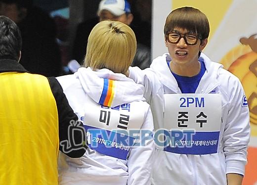 [T포토] 2PM 준수 '맨얼굴 깜짝이야'