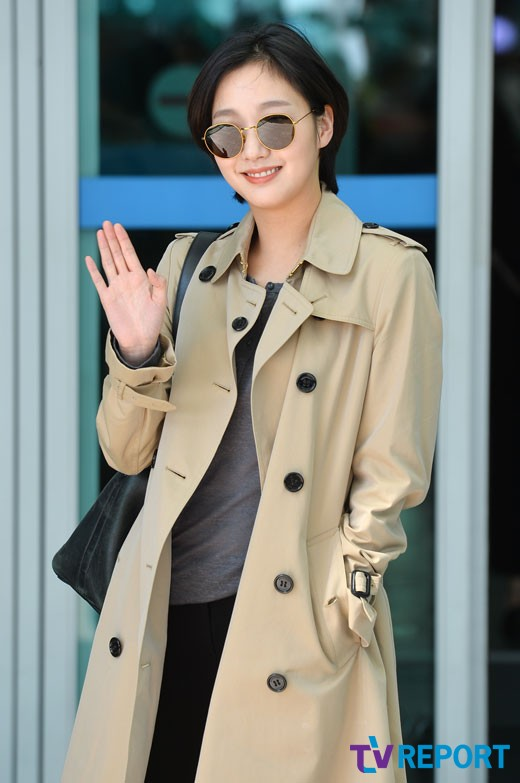 [T포토] 김고은 '손보다 작은 얼굴'