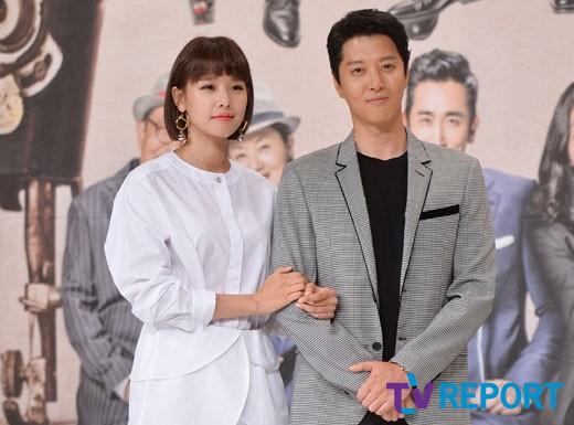 [단독] '월계수 커플' 이동건♥조윤희, 실제 연인됐다…열애 중