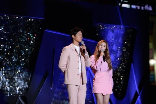 """'뮤뱅' 측 """"박보검♥아이린, 싱가포르→자카르타 월드투어 MC"""" [공식]"""
